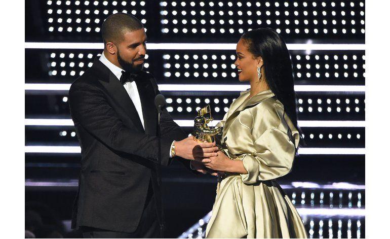 Rihanna agradece a Drake por homenaje en los premios MTV