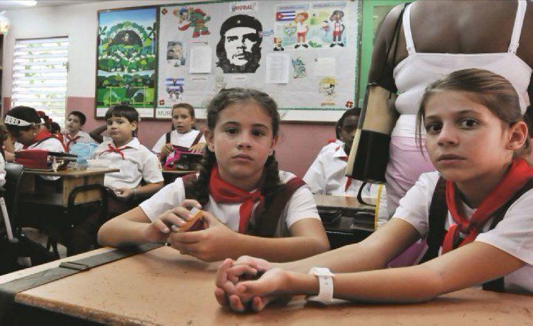A todo tren y sin maestros: el curso escolar 2017-2018 en Cuba