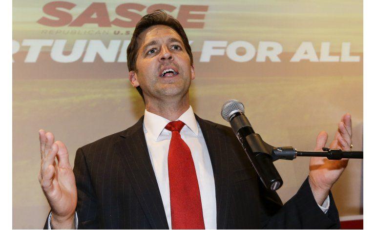 Senador por Nebraska enfrenta críticas por no apoyar a Trump
