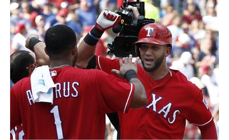 Rangers suman 7ma victoria al hilo, 12-4 ante Astros