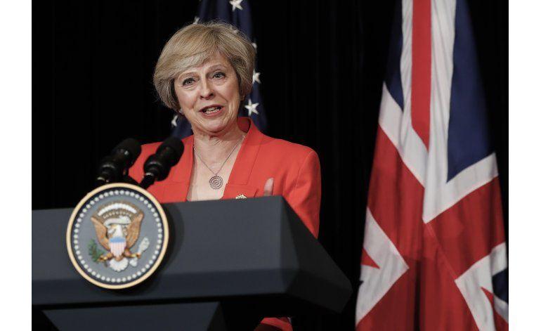 May advierte de tiempos difíciles ante el Brexit