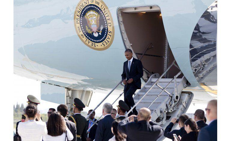 Visita de Obama a China tiene un comienzo accidentado