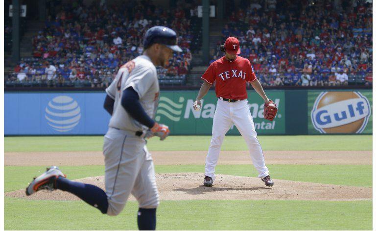 Astros evitan barrida en Texas