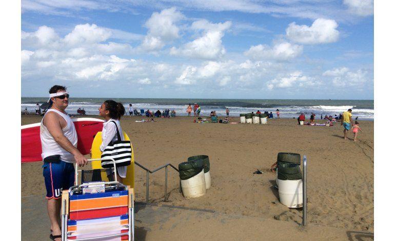 Hermine se aleja de la costa este de EEUU, pero habrá oleaje