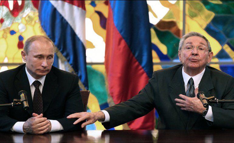 Castro entra en pánico y pide petróleo a Putin