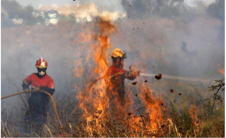 Incendio forestal en España obliga a desalojar mil personas