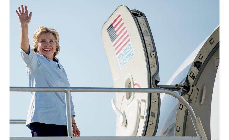 Clinton dice que no aceptará invitación de Peña Nieto