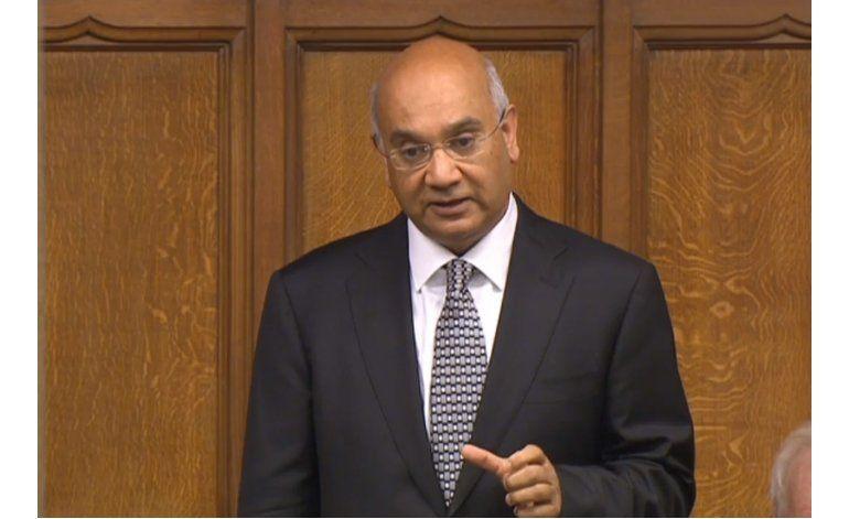 Legislador británico renuncia debido a escándalo sexual