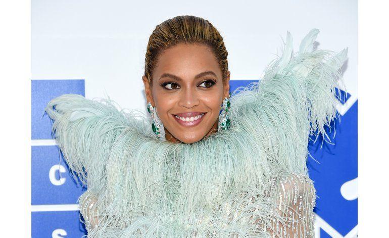 Beyoncé pospone concierto, debe descansar la voz