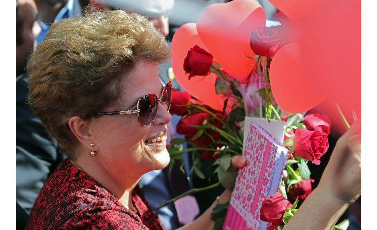 Rousseff deja la residencia presidencial