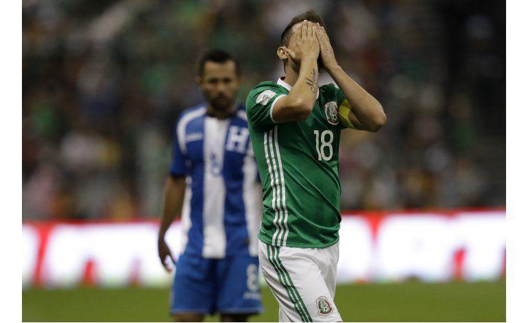 México empata 0-0 con Honduras, que avanza a hexagonal