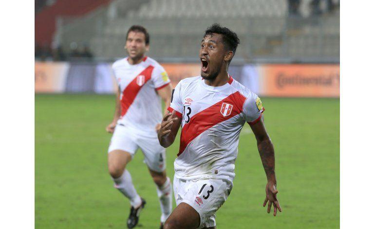 Perú vence 2-1 a Ecuador, que sigue con mala racha