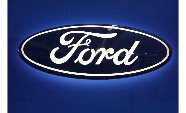 Ford retira más vehículos por portezuela defectuosa