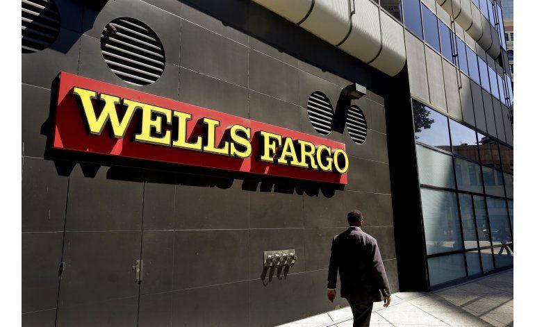 Multan a Wells Fargo por millones de cuentas fantasma