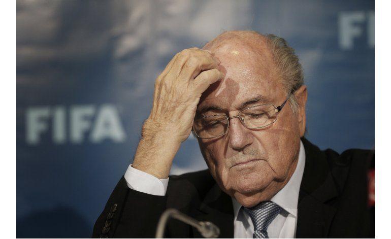 La FIFA abre caso de soborno contra Joseph Blatter y dos más