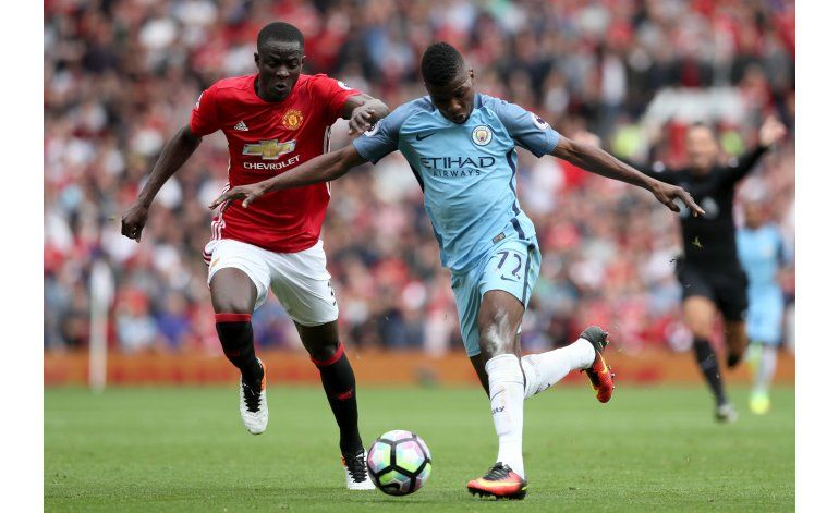 El City de Guardiola se impone 2-1 al United de Mourinho