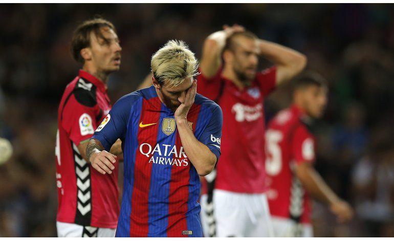 Alavés tumba a un Barsa reservón; Madrid y Atlético golean