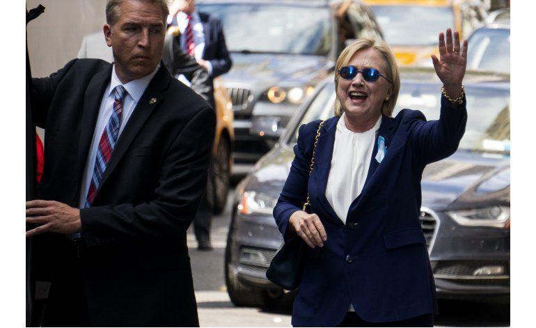 Clinton se recupera de una neumonía, cancela un viaje