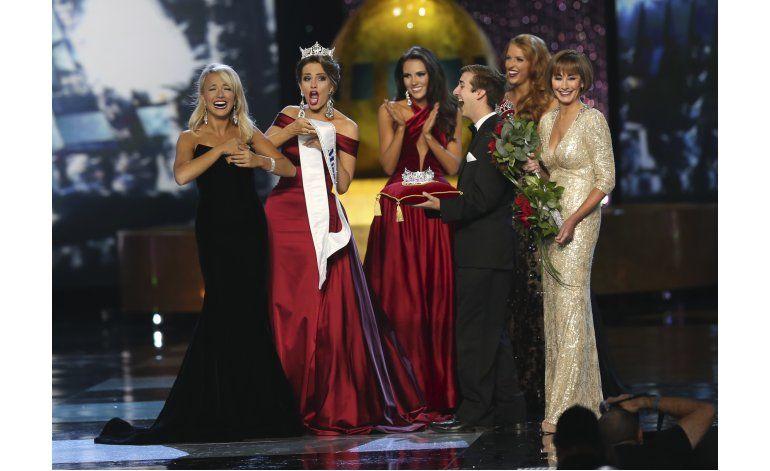 La nueva Miss America pide compromisos a Trump y Clinton