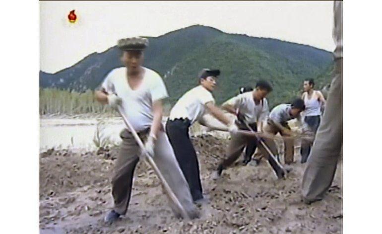 Graves inundaciones en Corea del Norte matan a 133 personas