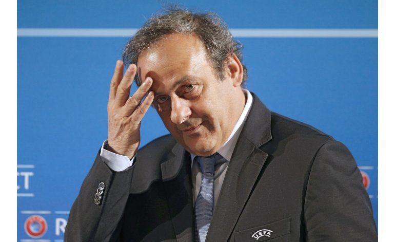 UEFA: Platini dará discurso antes de elección de su sucesor