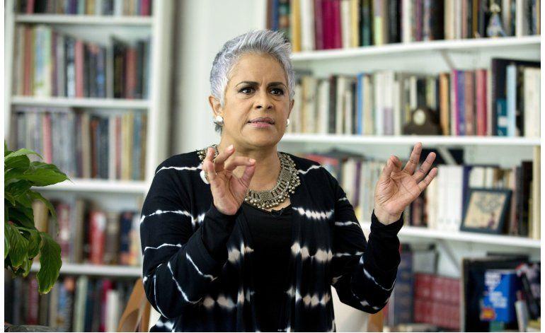 Su Excelencia Eugenia León: He sido como un salmón