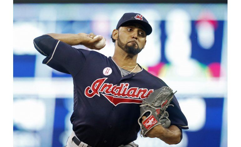 Indios: Salazar, fuera 3-4 semanas por lesión de antebrazo