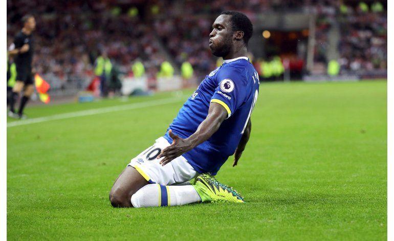 Con tripleta de Lukaku, Everton vence 3-0 a Sunderland