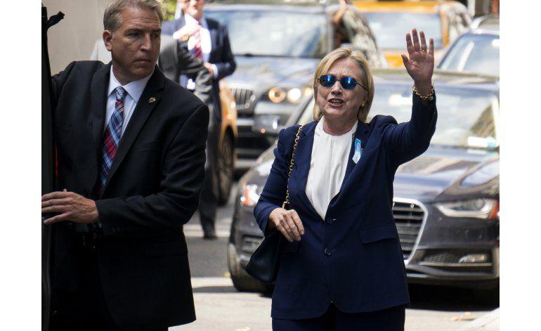 LO ÚLTIMO: Clinton dice que sufrió mareo durante ceremonia