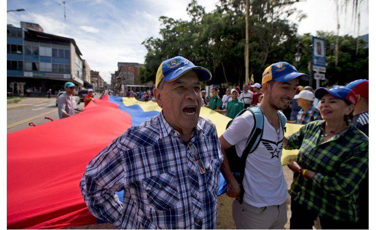 Oposición venezolana denuncia represión en antesala a cumbre
