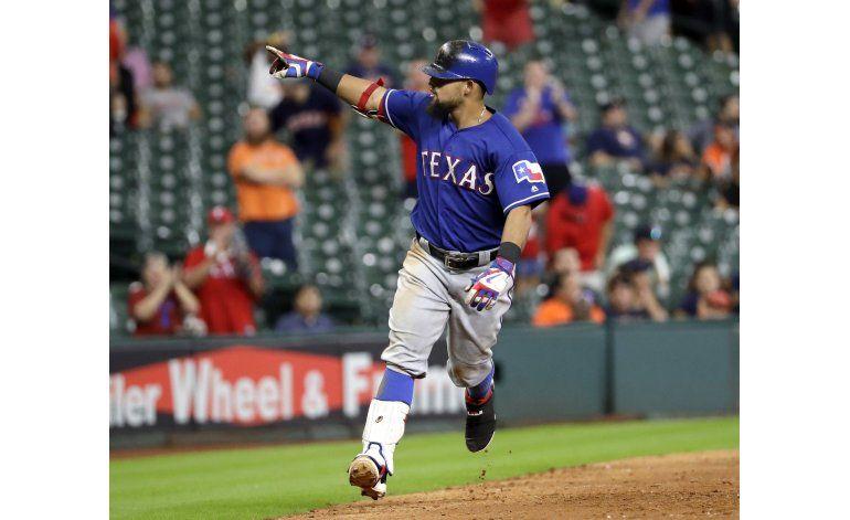 Odor conecta jonrón en la 12ma; Rangers superan a Astros