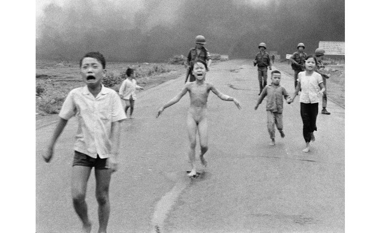 Facebook se disculpa por borrar foto histórica de Vietnam
