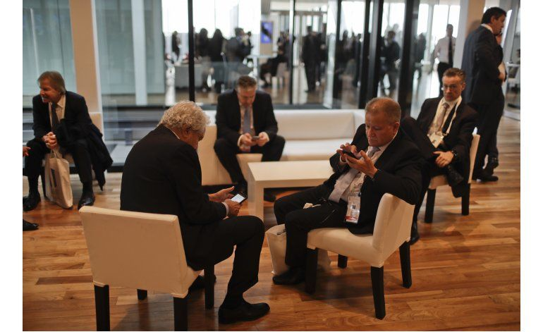 Macri exhorta a empresarios a que inviertan en Argentina