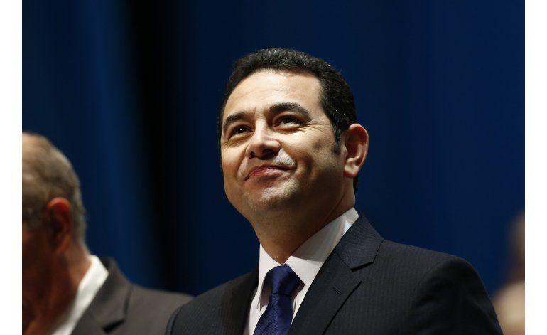 Guatemala: parientes de presidente declaran en fiscalía