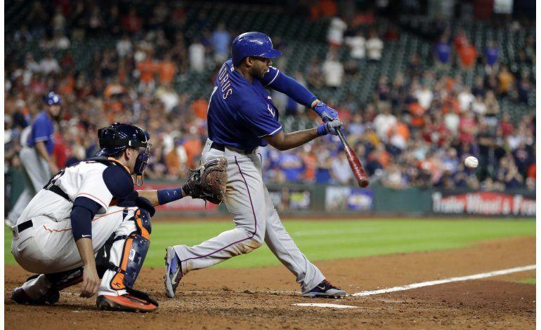 Profar rompe el empate en la 9na; Rangers superan a Astros