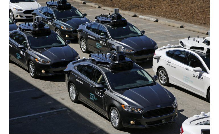 Uber ofrece vistazo a futuro de coches autónomos