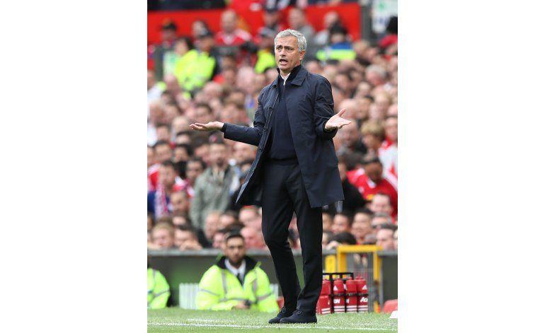 Mourinho cambia enfoque sobre importancia de Liga Europa