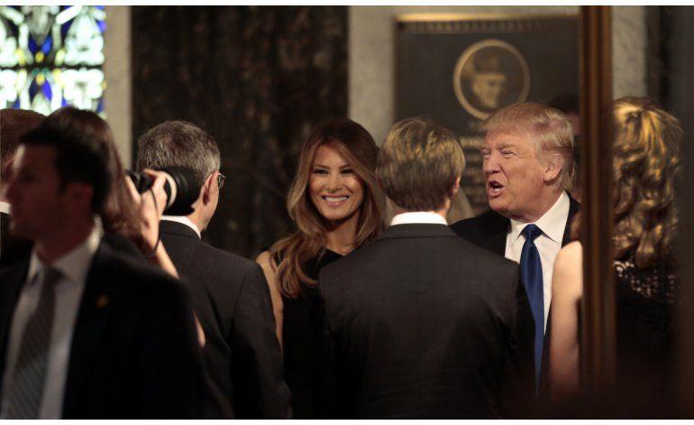 Melania Trump divulga detalles de su proceso migratorio