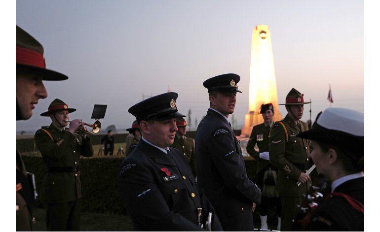 Príncipe Carlos recuerda a neozelandeses caídos en IGM