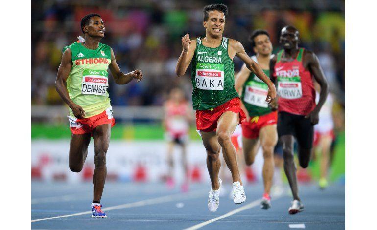 AP FOTOS: Caen los récords, sube el público en Paralímpicos