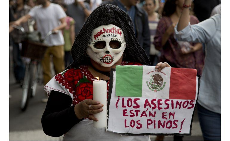 Protestan en México para exigir renuncia del presidente