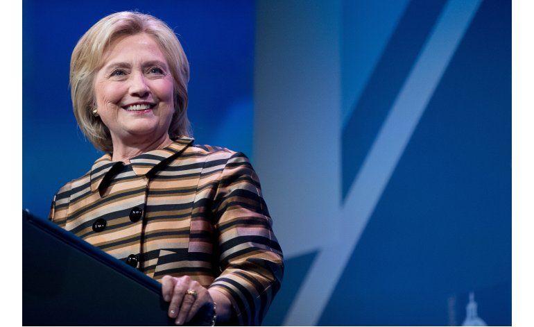 Clinton y Obama buscan animar al voto hispano