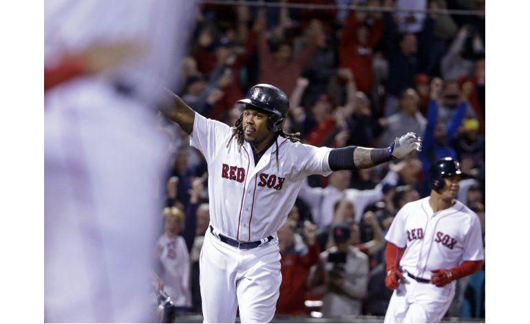 Jonrón de Hanley Ramírez en el 9no decide para Boston