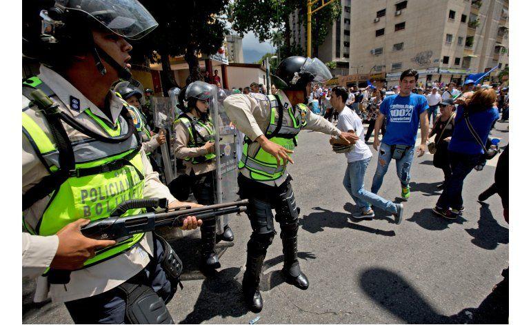 Venezuela: Bloquean marcha para presionar por referendo