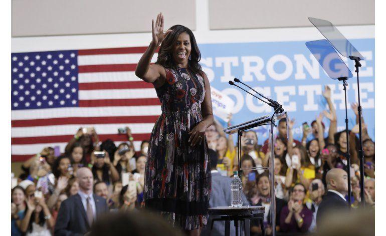 Michelle Obama hace campaña por Hillary Clinton