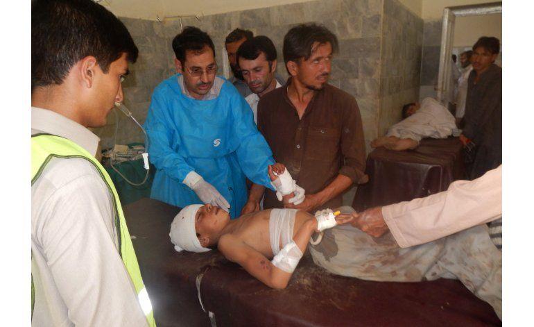 Atentado en mezquita deja 24 muertos en Pakistán