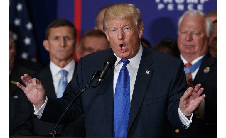 Trump se retracta de una falsedad, pero lanza otra