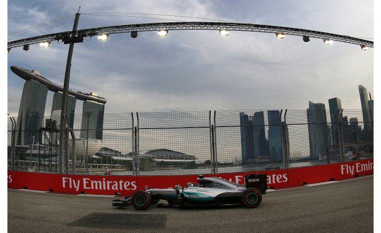 Rosberg conquista la pole del Gran Premio de Singapur