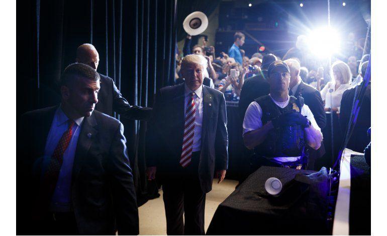 Trump minimiza sus errores y espera que los votantes también
