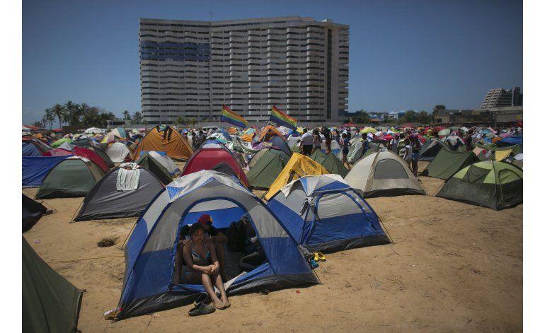 Oficialismo celebra cumbre con campamento revolucionario